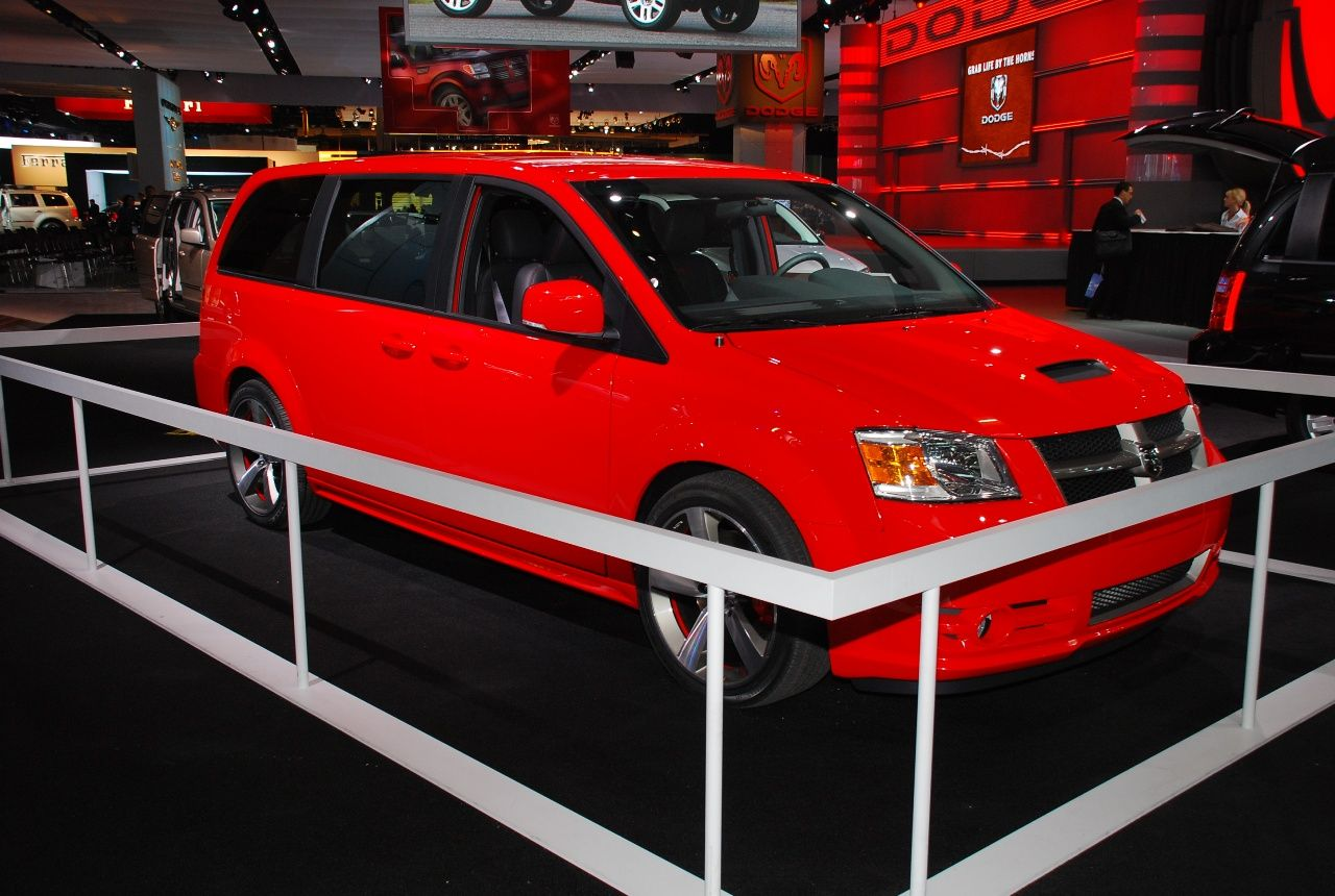 Vwvortex Com 2012 Routan Gli Dodge Caravan Rt Custom Vans