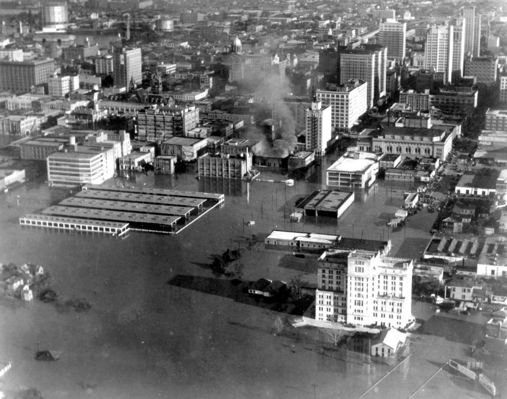 Houston S Devastating Flood Of 1935 Houston Chronicle Houston Flooding Texas City Explosion Houston