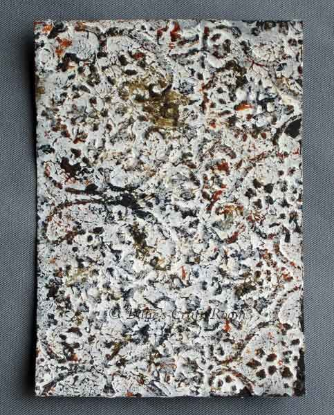 Creating a stone-like effect with texture paste on a dry embossed surface #techniques