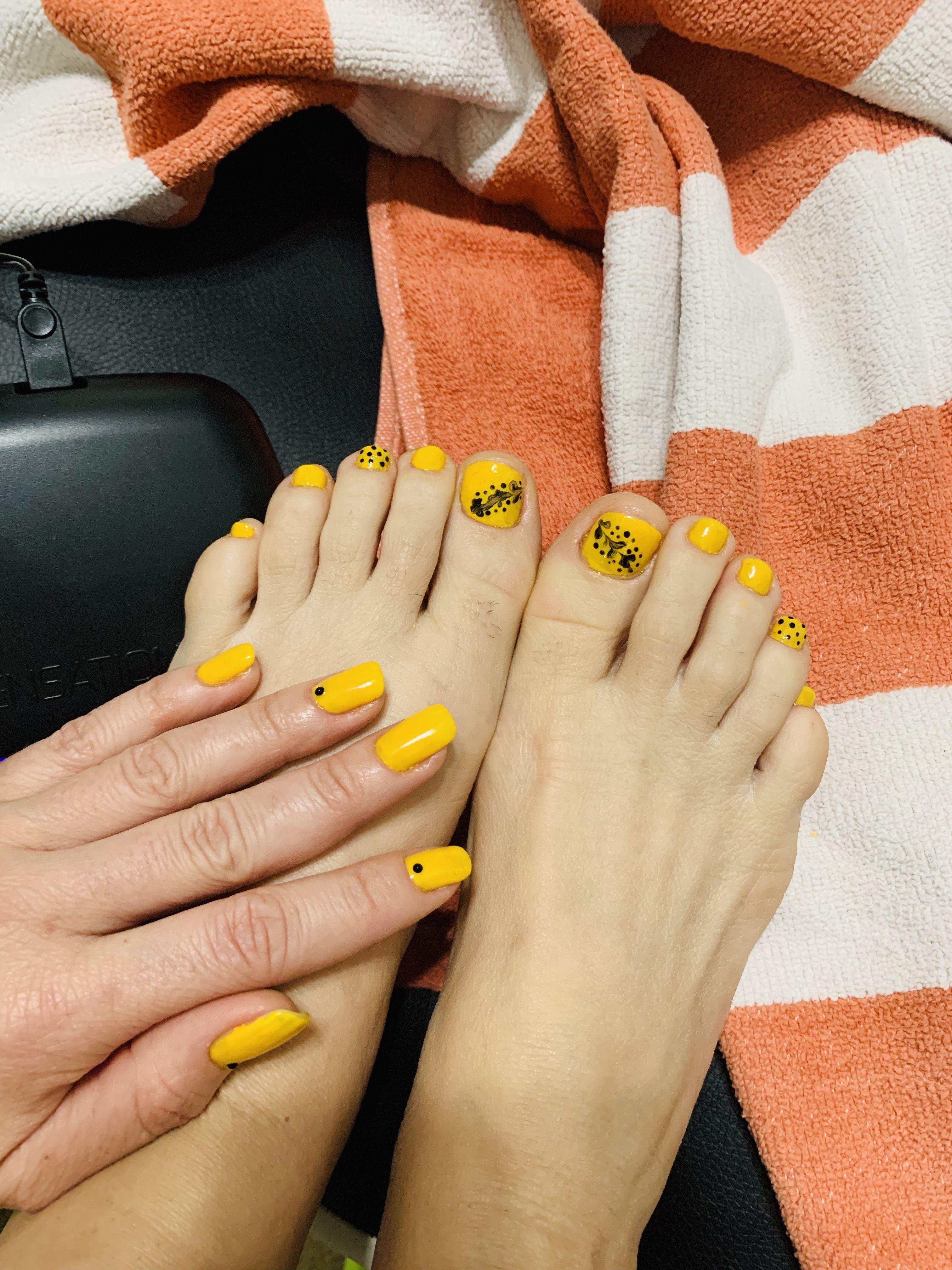 Summer Nails Yellow And Black Nails Design Simple Easy Black Nail Designs Simple Nail Designs Nail Designs