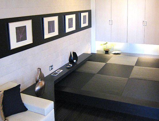 J143 ギャラリー Wa 墨色の畳 黒いフローリング 壁面のモノクロ