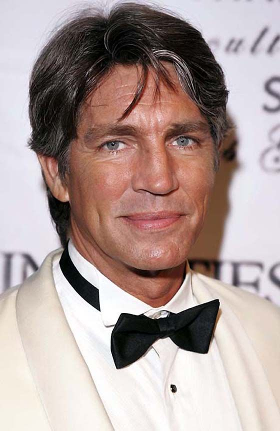 Tips: Eric Roberts, 2018s chic hair style of the cool mysterious  actor