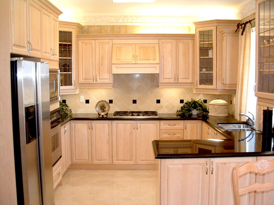 Maple Kitchen Cabinets Custom Kitchen Cabinets By Intouch Interiors With Images Maple Kitchen Cabinets Birch Kitchen Cabinets Kitchen Cabinet Design
