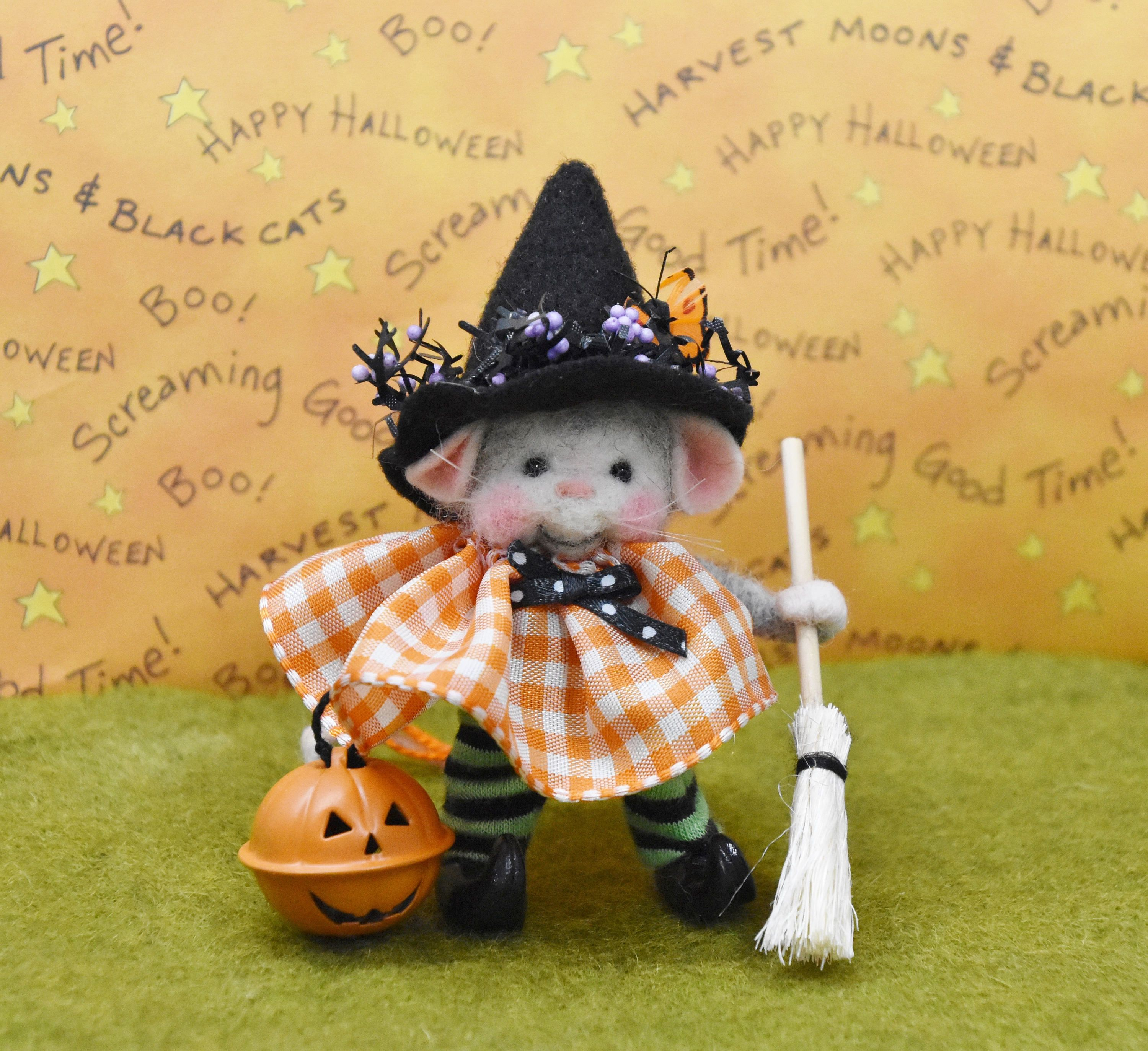 needle felted halloween mouse witchjustfeltrite on etsy | heart