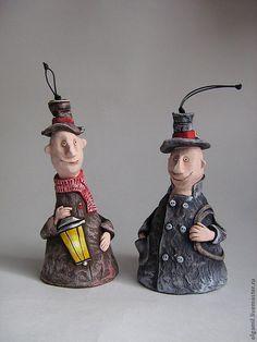 Купить Трубочист и Фонарщик - коричневый, серый, статуэтка, человечки, колокольчик, смешной подарок, игрушка, интерьер
