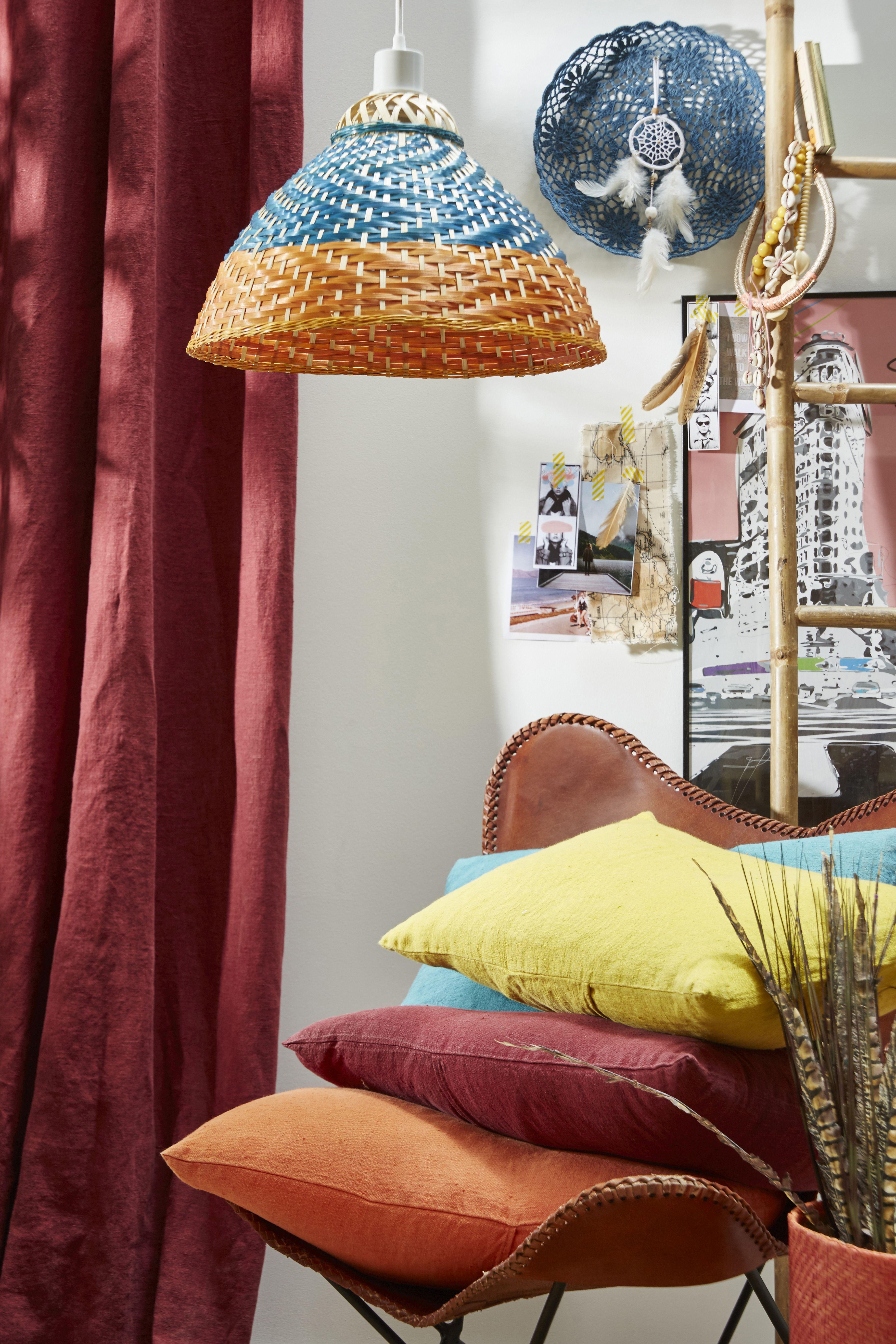 Une suspension en bambon coloré pour un intérieur tendance