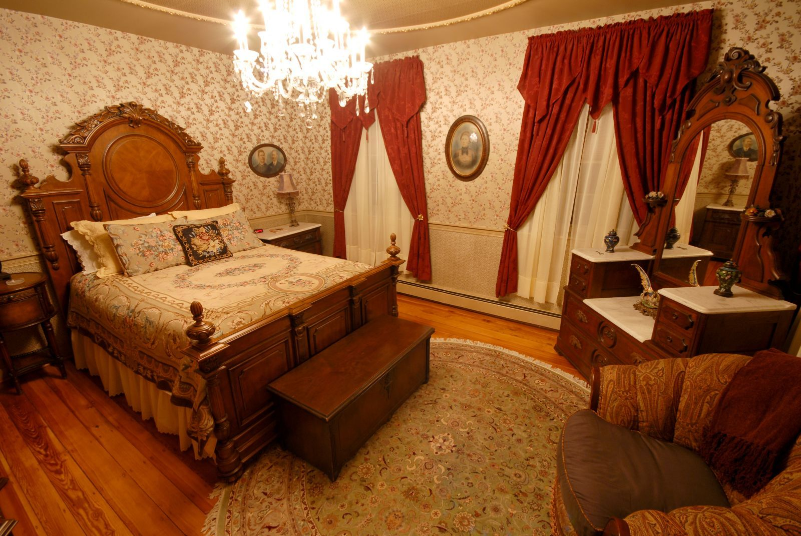 Victorian decorating ideas main bedroom design victorian for Main bedroom ideas