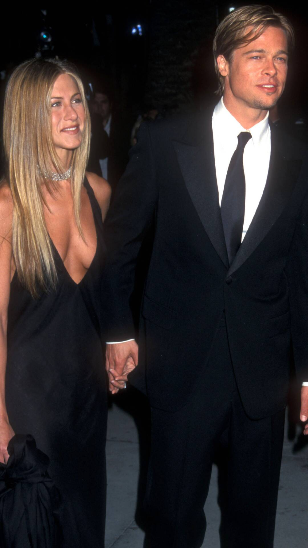 Fotos De Flashback Jennifer Aniston Y Brad Pitt Juntos E Online Latino In 2021 Jennifer Aniston Young Brad Pitt And Jennifer Brad Pitt Jennifer Aniston