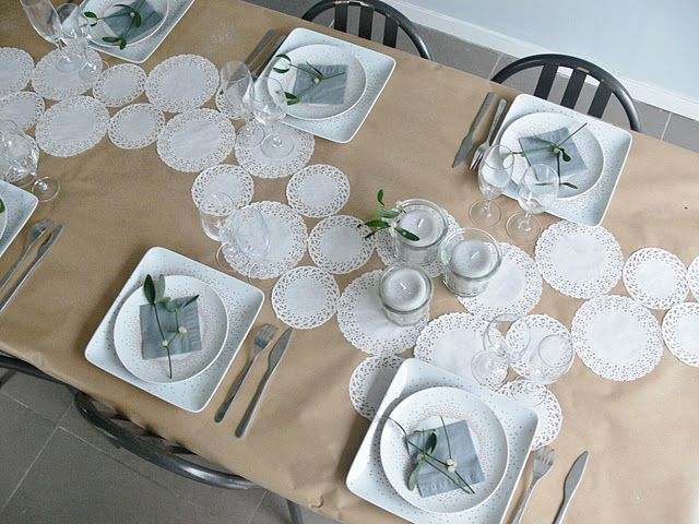 Cool Table Setting - I like the use of brown paper and doilies & Cool Table Setting - I like the use of brown paper and doilies ...