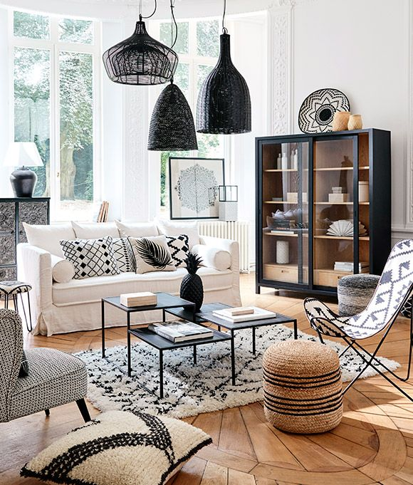 un salon boh me en noir et blanc avec des accents boho. Black Bedroom Furniture Sets. Home Design Ideas