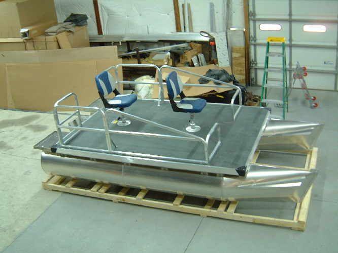 Aluminum pontoon boats nomad pinterest pontoon for Build fishing boat