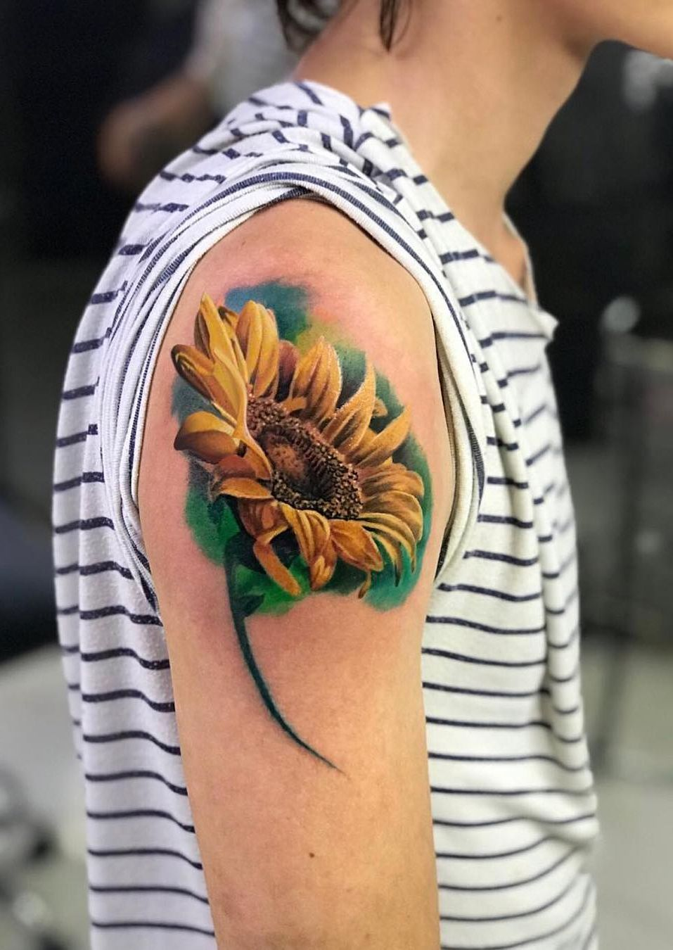 awesome sunflower tattoo © tattoo artist La FamiliaTattoo Medellin 💓🌻💓🌻💓🌻💓🌻💓