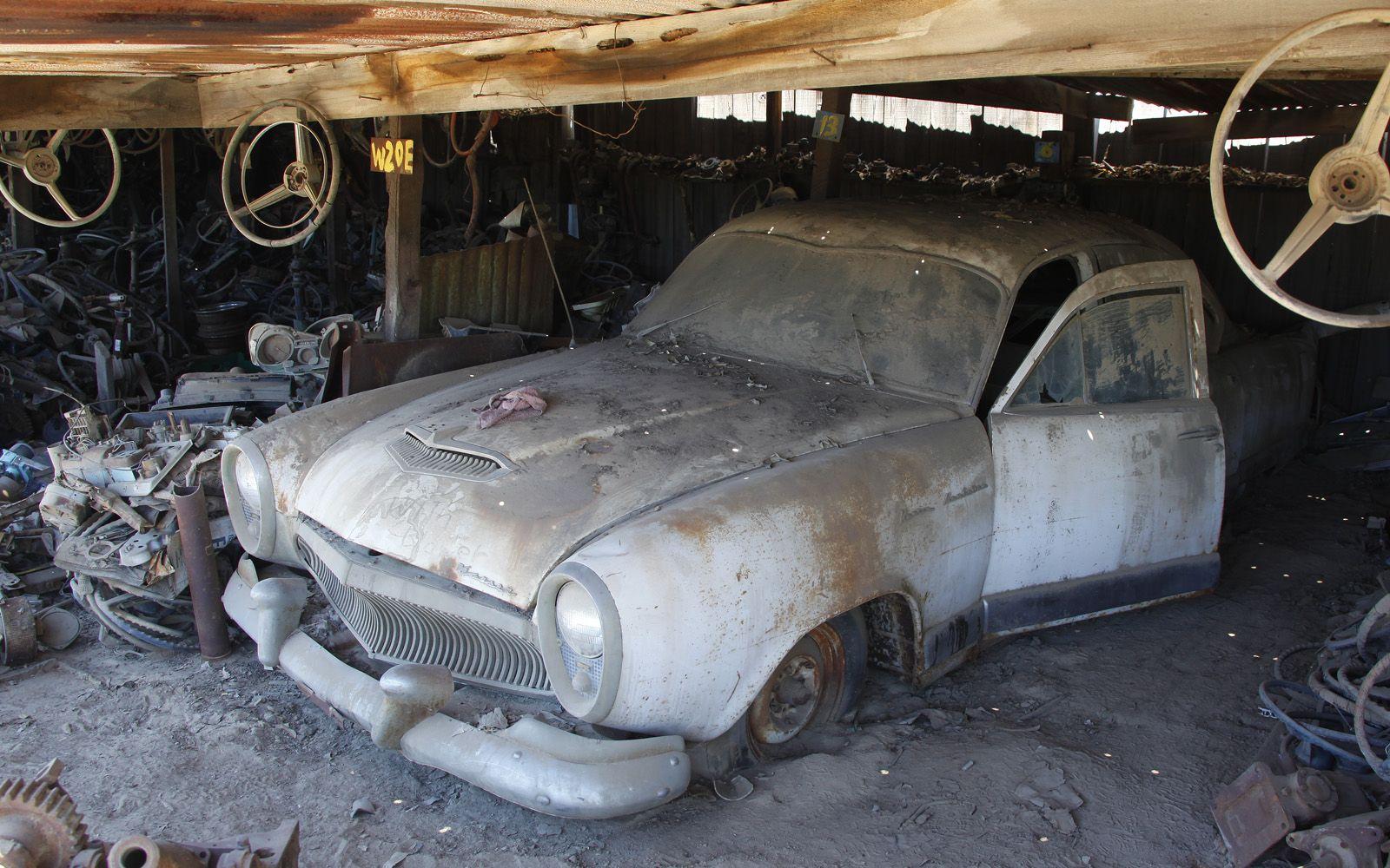 junkyard-vintage-cars-turners-auto-wrecking-fresno-california-235 ...