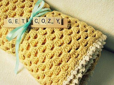 Bonita manta a crochet, en ocre y ribete en beige... | DIY Crochet ...