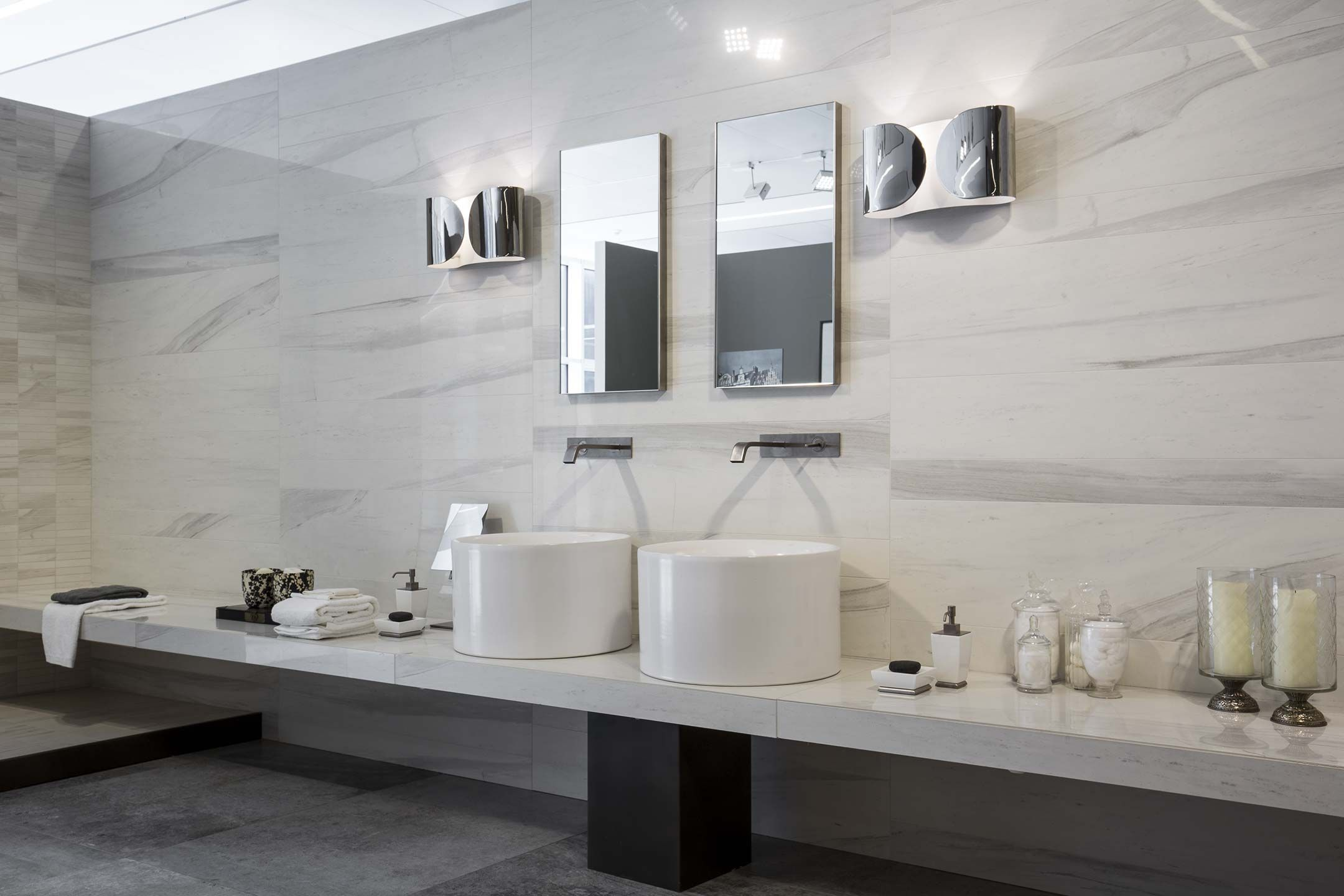 Ceramic tile Made in Italy: Rex showroom within the Florim Gallery ...