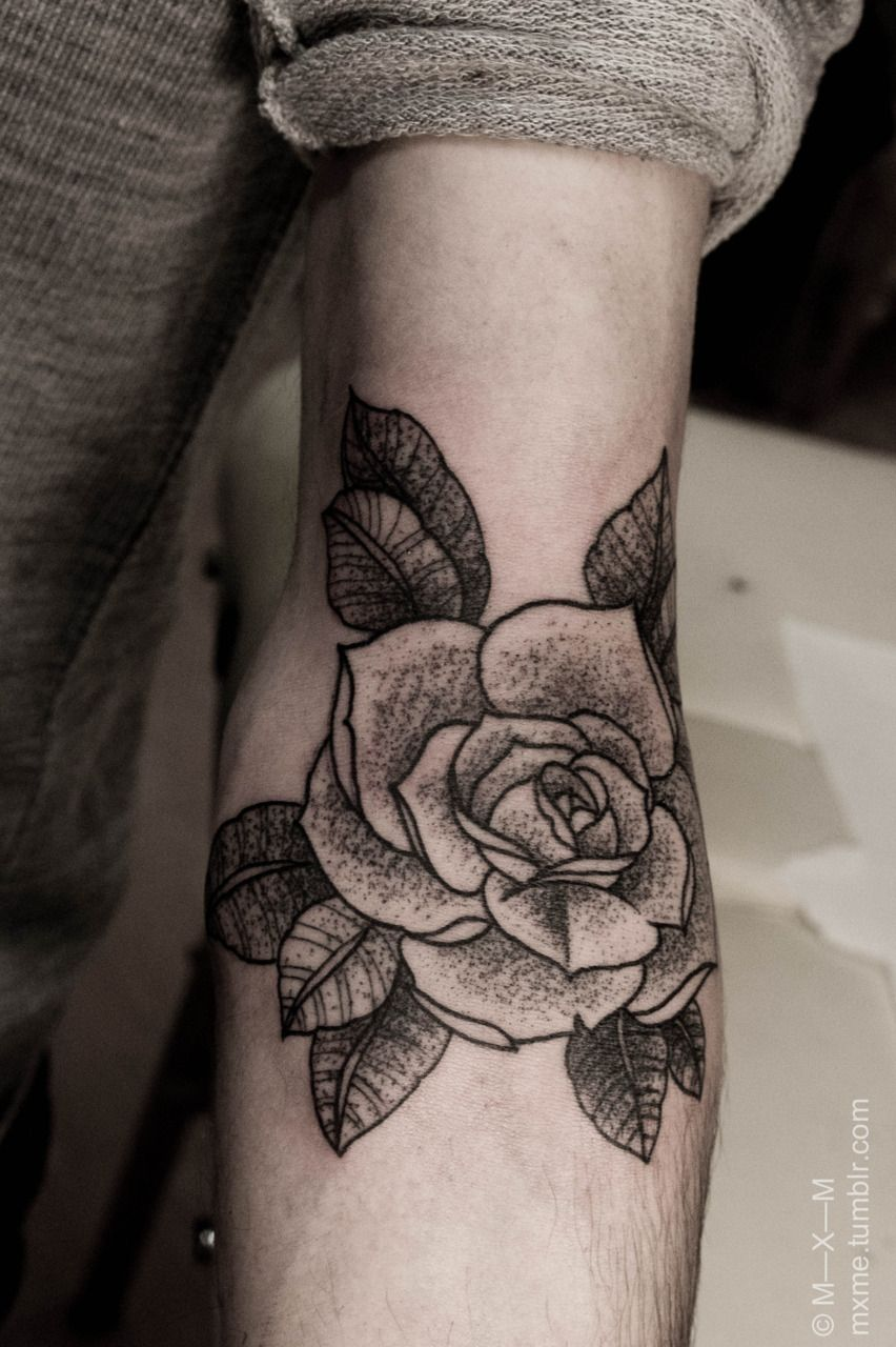 Roses tattoo shoulder tumblr 1000 geometric tattoos ideas - A Rose Like This One On His Forearm With My