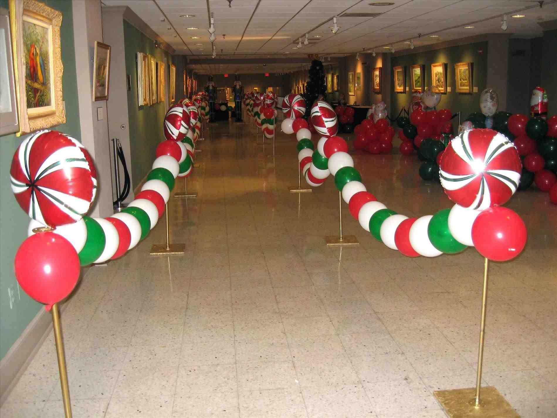 Charming Ideas For Christmas Office Party Part - 7: Hereu0027s Some Fun Christmas Balloon Garland For An Office Party.