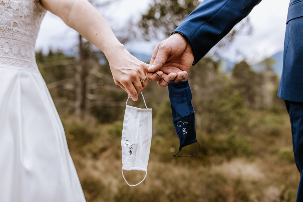 Coronahochzeit In Murnau Hochzeit Brautpaar Heiraten
