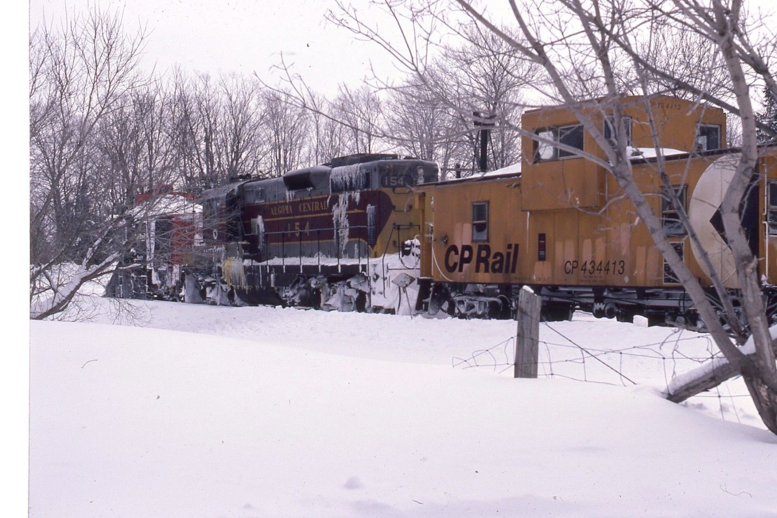 Canadian Snow Plow Algoma Central Rwy Gp 7 154 Action On Canadian Pacific