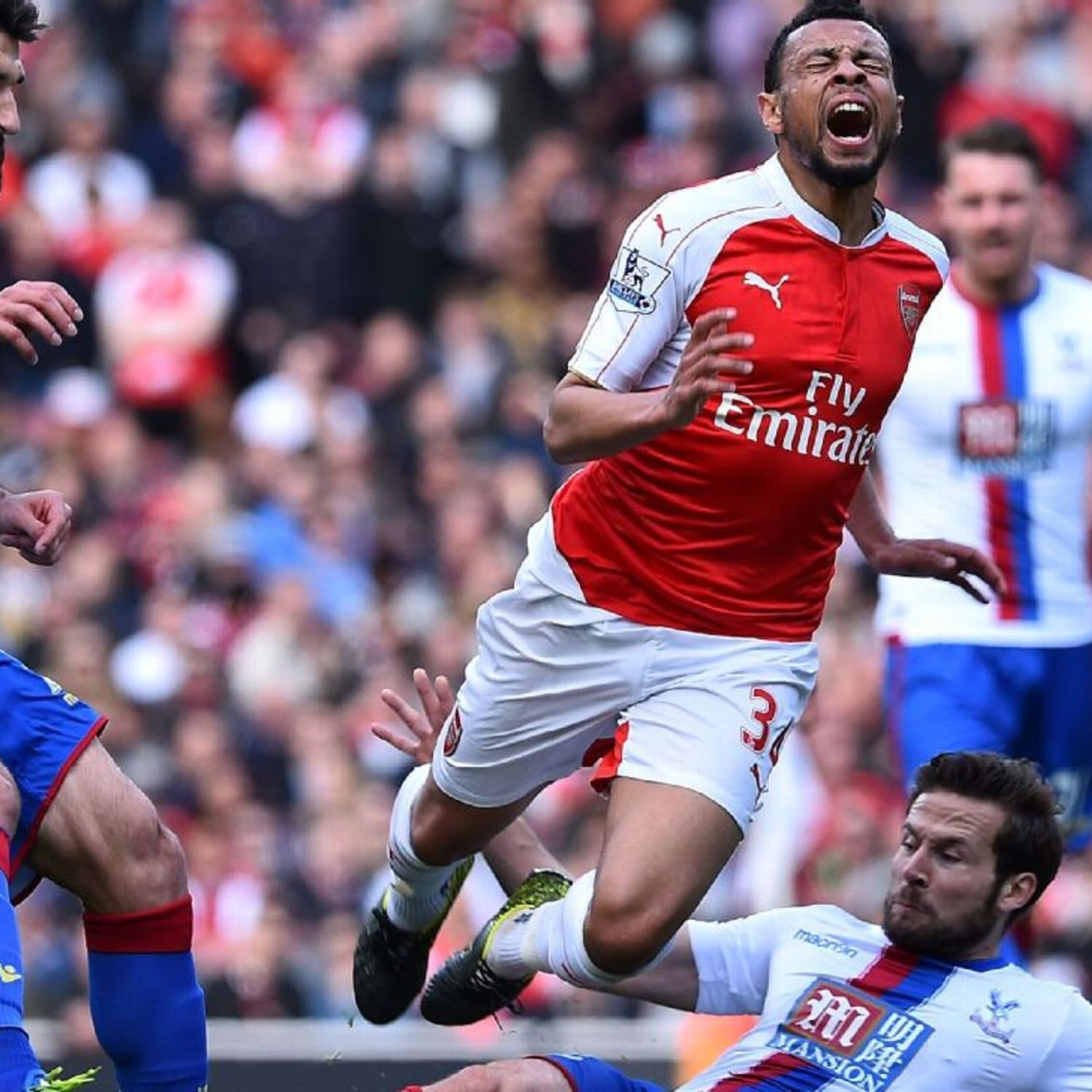 Arsenal's Francis Coquelin faces fitness test for Burnley, Giroud still out