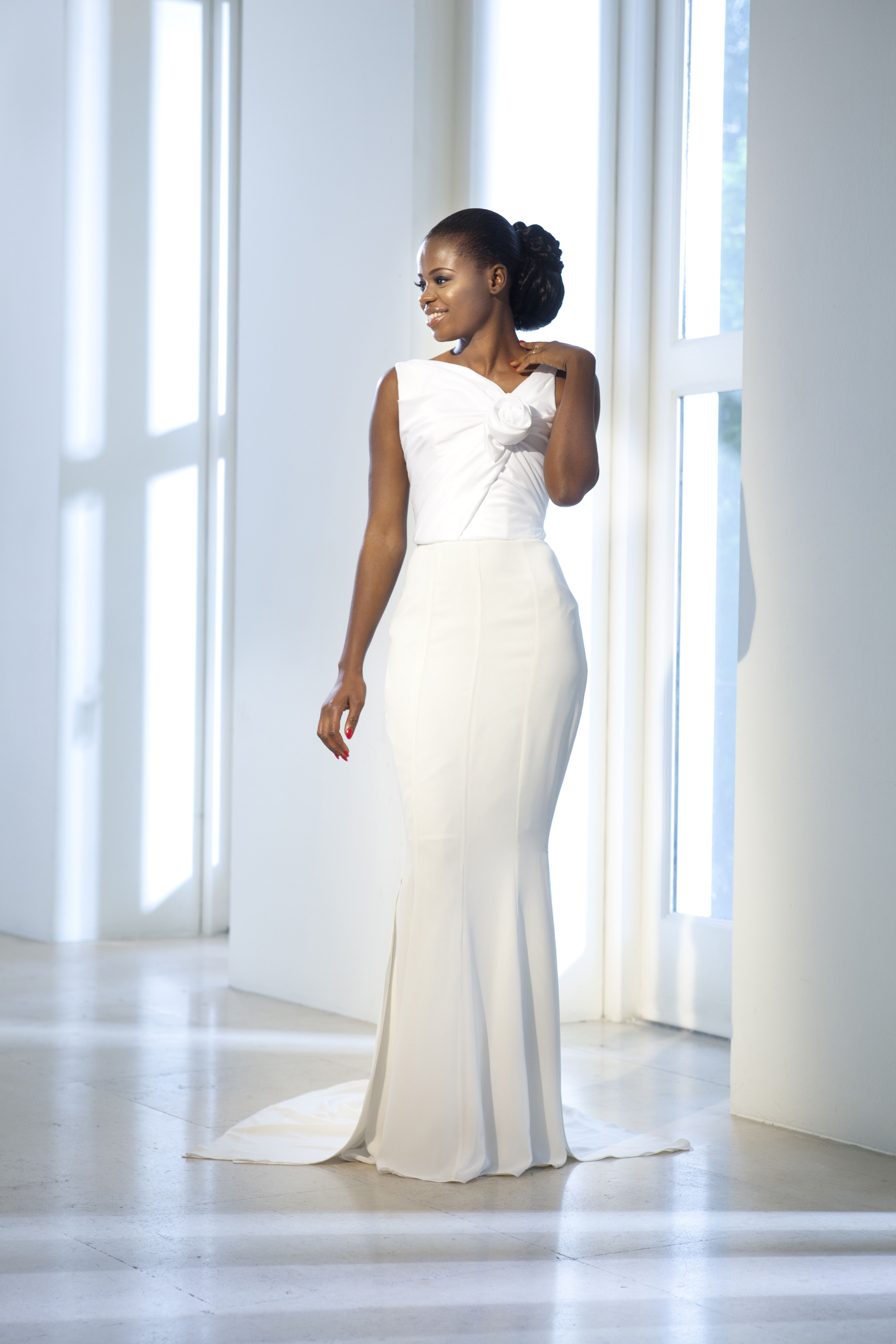 wedding dresses for curvy women at exclusive wedding decoration