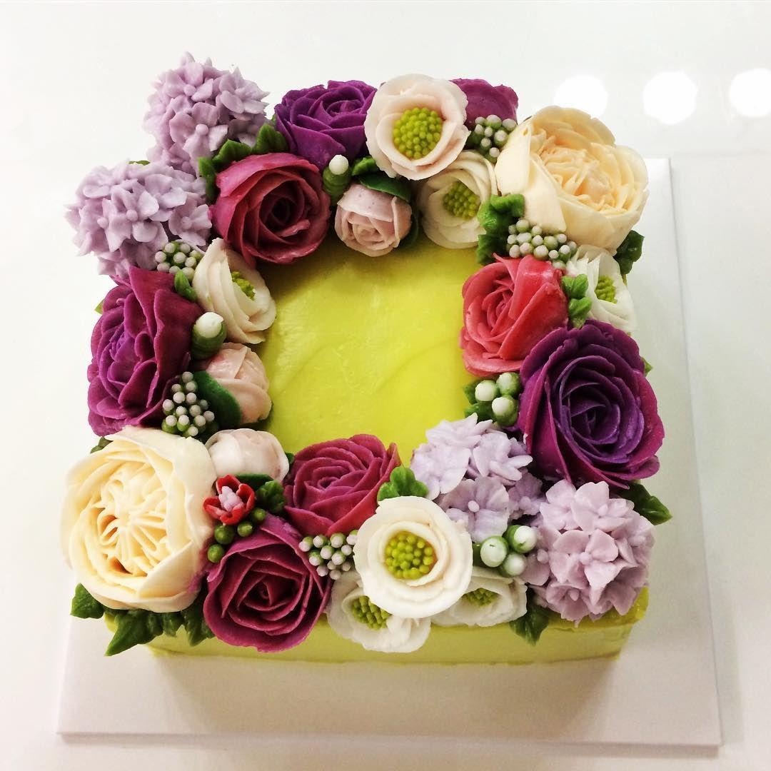 #flowerbuttercreamcake #flowerbuttercream #koreanstylecake #cake #baking #flowerbuttercreamcakeclass #montreal #koreanstyle #flowercake #flowerbuttercreamcupcakes