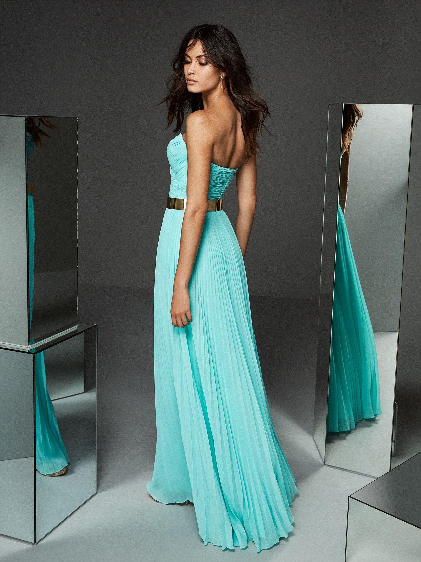 Back Of Turquoise Formal Dress With Sweetheart Neckline Pronovias Backless Dress Formal Evening Dresses Long Strapless Dress Formal [ 2255 x 1691 Pixel ]