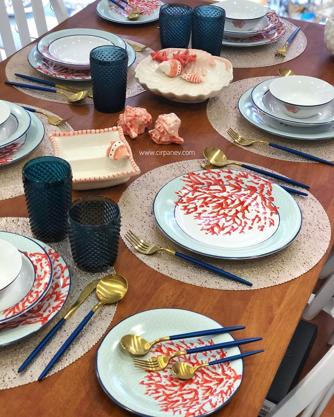 "Photo of Çırpan Ev on Instagram: ""Coral 6 kişilik – 24 parça bone po…"