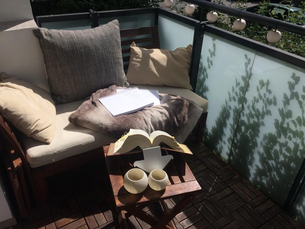 kuschelige sitzecke auf einem balkon. #balkon #einrichtung #sitzecke