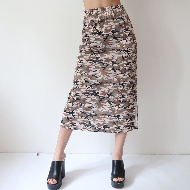 d1985d7e20afe 🍼🍼🎷 Amazing Y2K double layer high waisted camo skirt 🍼🍼🎷 size ...