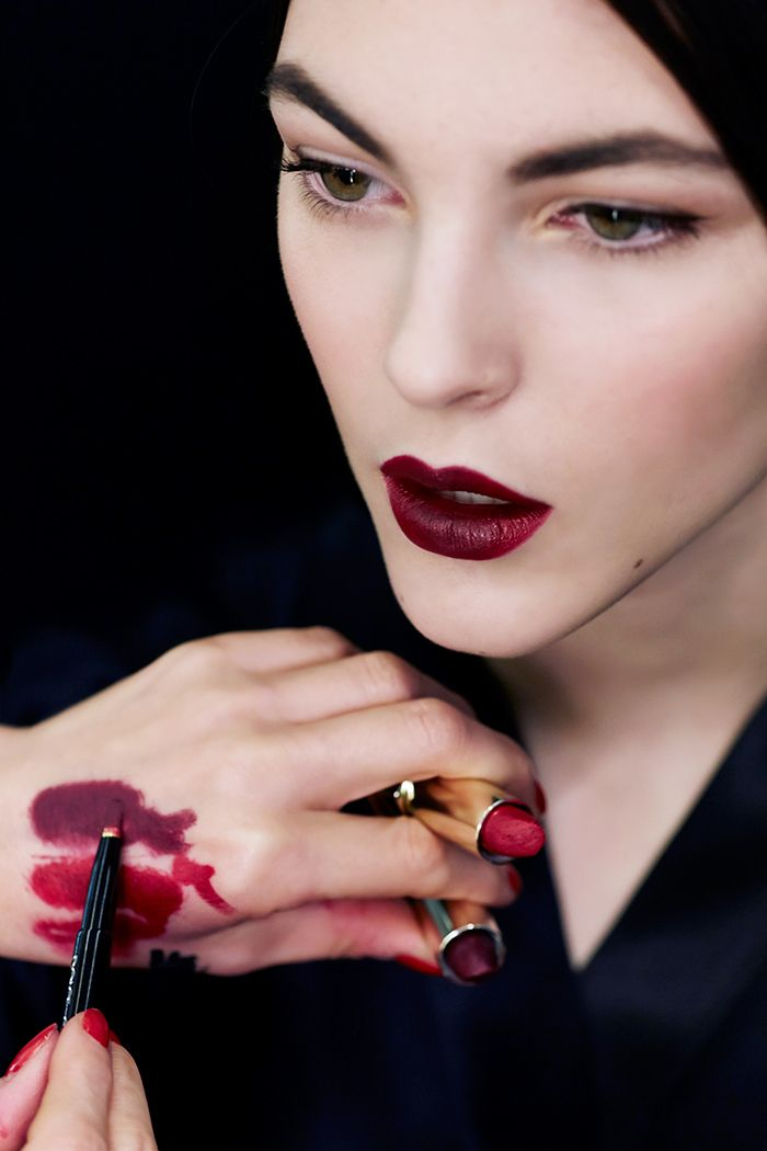 Deep burgundy lip at Dolce & Gabbana's Ethereal F/W '15 www.lab333.com www.facebook.com/pages/LAB-STYLE/585086788169863 www.lab333style.com lablikes.tumblr.com www.pinterest.com/labstyle