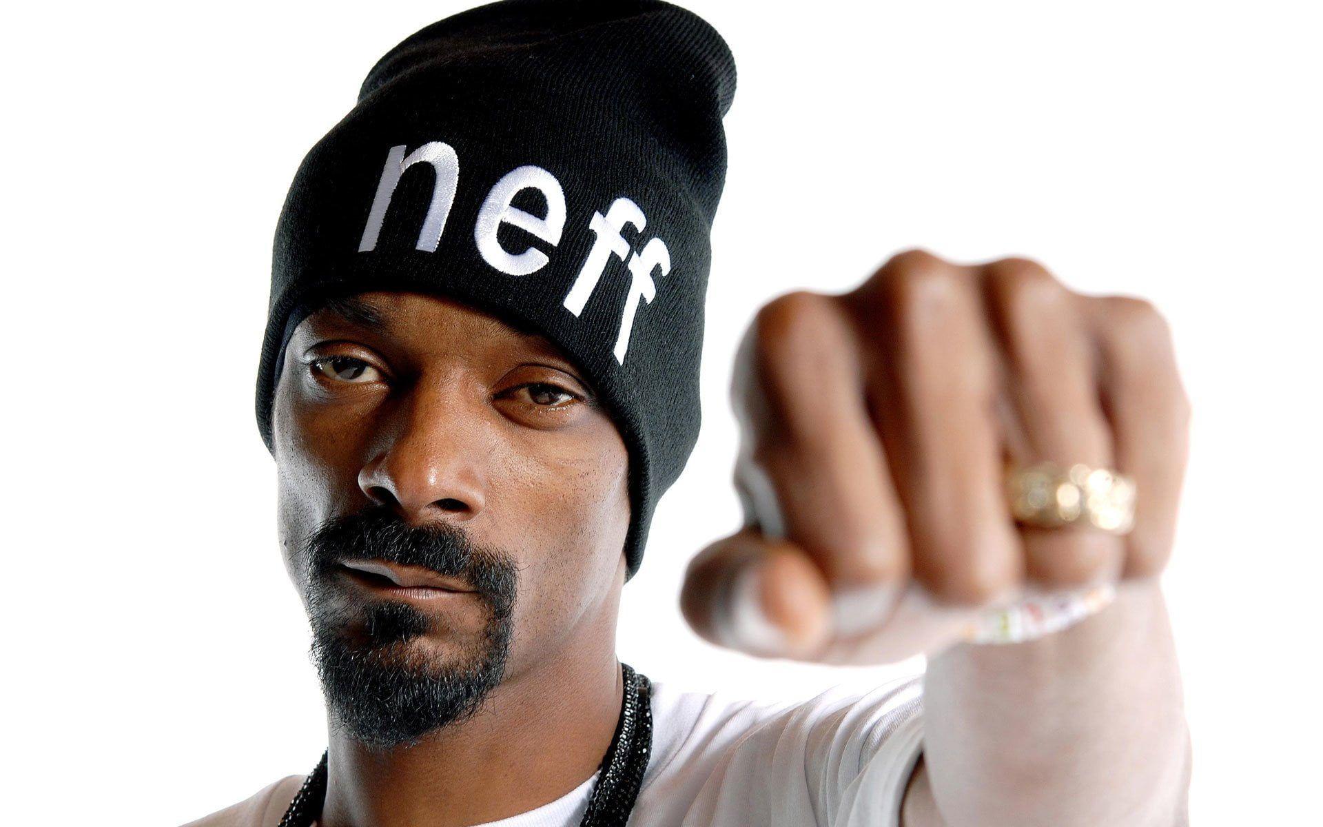 Singers Snoop Dogg 1080p Wallpaper Hdwallpaper Desktop In 2020 Snoop Dogg Snoop Doggy Dogg Dogg