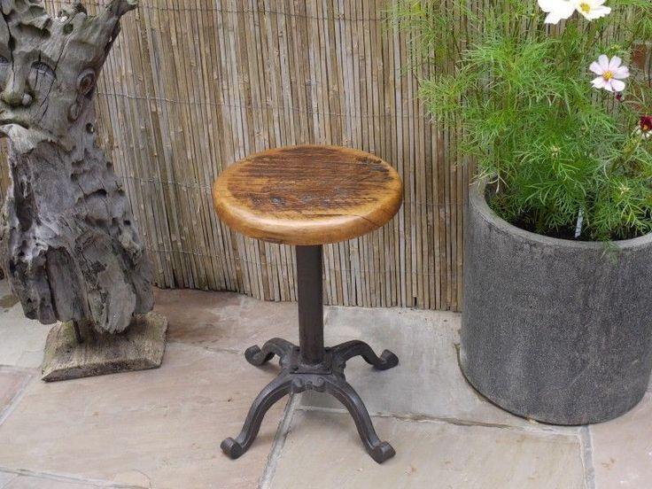 Vintage industrial bar stool reclaimed oak seat cast iron base in Home, Furniture & DIY, Furniture, Stools & Breakfast Bars   eBay ähnliche tolle Projekte und Ideen wie im Bild vorgestellt findest du auch in unserem Magazin . Wir freuen uns auf deinen Besuch. Liebe Grüße