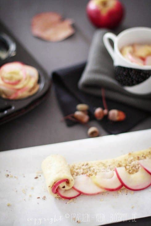 backen mit pfeln apfel rosen rollen rezepte pinterest. Black Bedroom Furniture Sets. Home Design Ideas
