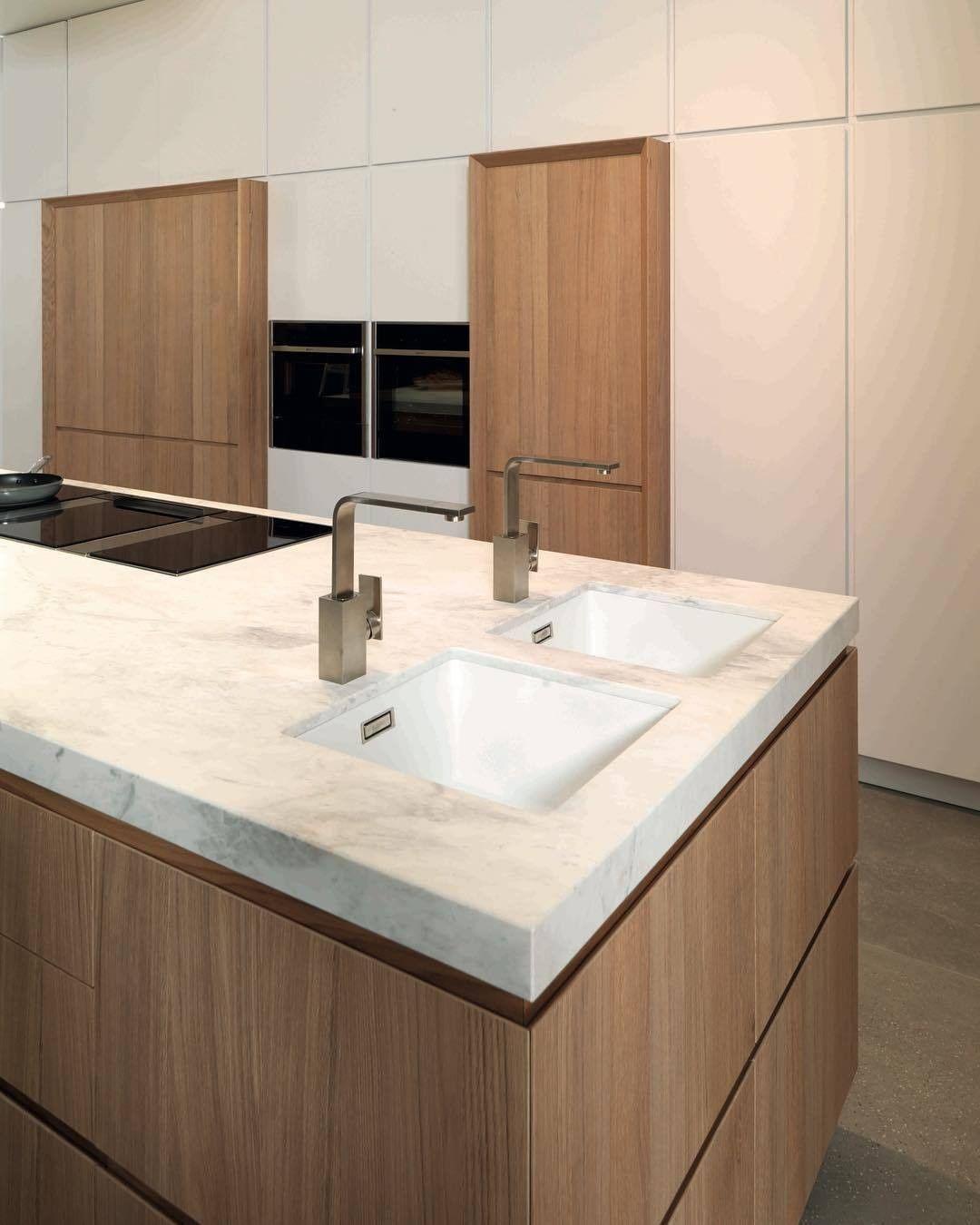 Mi Piace 305 Commenti 2 Porcelanosa Porcelanosa Su Instagram Bieder E7 90 Roble Puro E4 90 Blanco Snow Mate Kitchen In 2020 Small Bathroom Kitchen Modern
