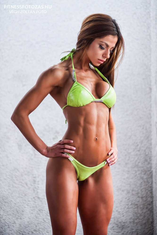 PHOTO Sexy MUSCLE GIRLS FITNESS Babes Hottest GYM WOMEN