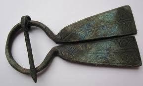 Risultati immagini per fibula medioevale