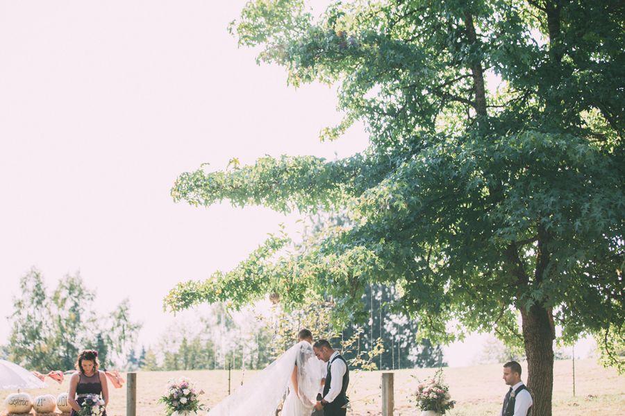 Dylan + Julie // Wedding // Monroe, Washington » Katie Day Photos #westcoastphotographer #seattlephotographer #adventurousweddingphotographer