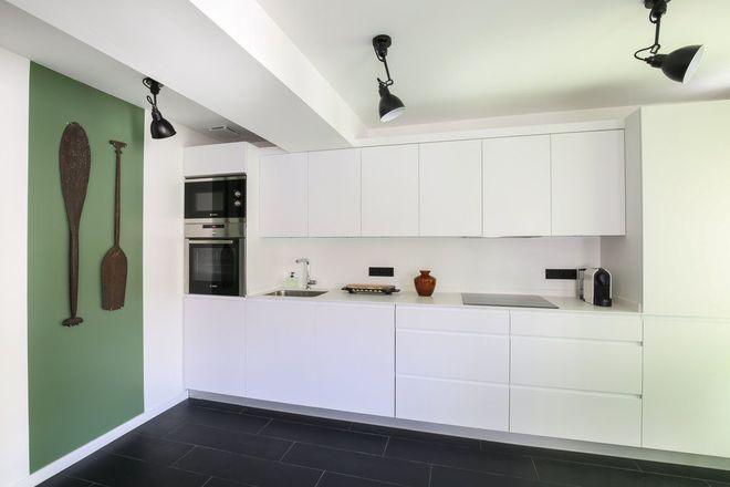 Une cuisine blanche tout en longueur | Appart | Cuisine ...