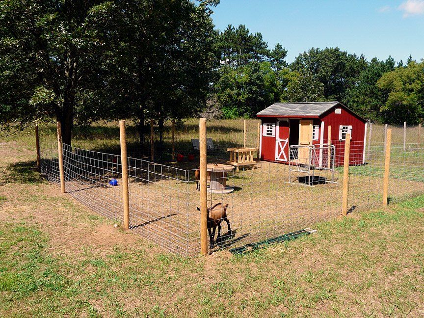 how to build a small sheep pen