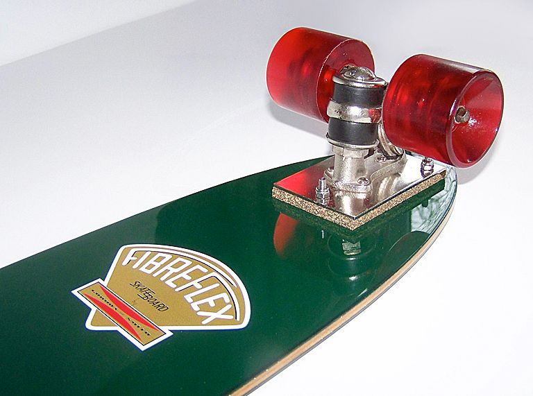 Back in August 2013, Dennis Allgeier 'Blizzardboy' in the states asked me to restore this Fibreflex Hotdog deck from around 1975. This pic shows the finished restoration/set up I used before shipping the deck back.