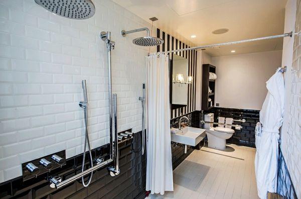 badezimmer ideen bilder badmöbel schwarz weiß   Bath black & white ...