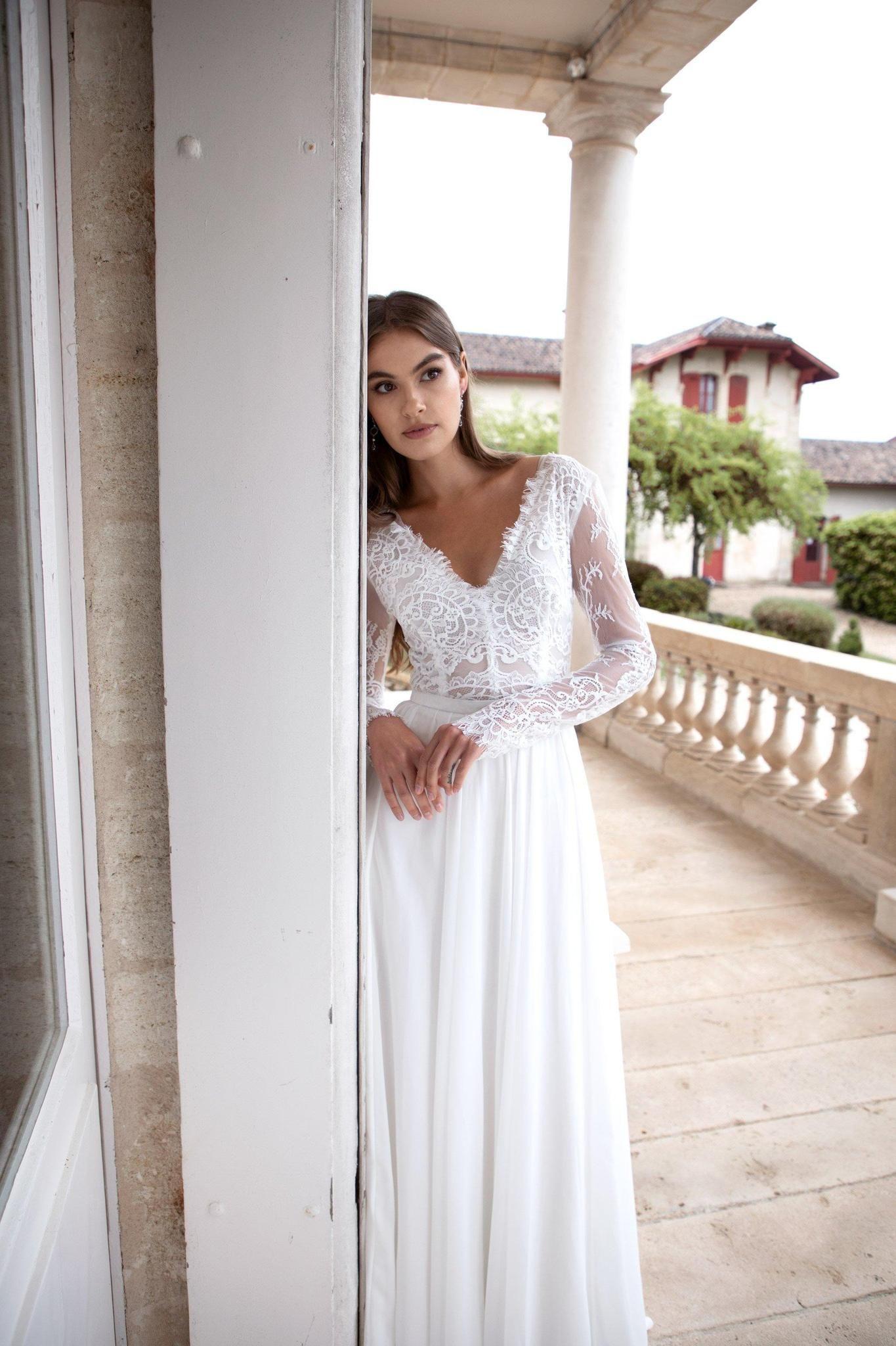Robes De Mariée à Dentelle à Bordeaux Notre Top Les Filles Fidèles Robe De Mariée Dentelle Robe Romantique Robe De Mariée Classique