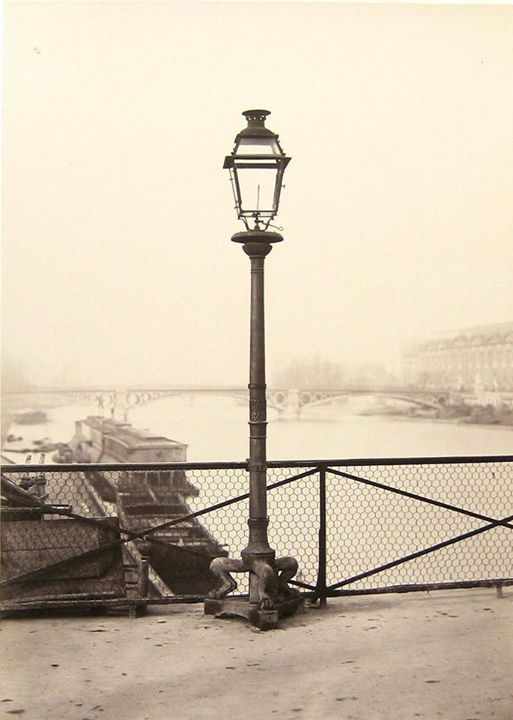 Pont des Arts - Paris 1877. + Histoire des éclairages de Paris depuis 1318.