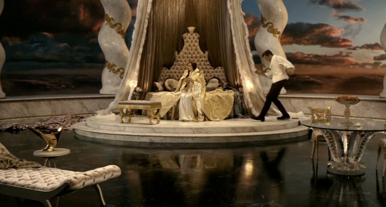 snow white. magical castle interior, da boudoir. | classic