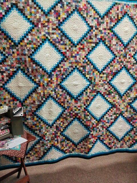 Des Moines quilt show. 1.5 inch squares??? | Quilted scraps ... : quilt show des moines - Adamdwight.com