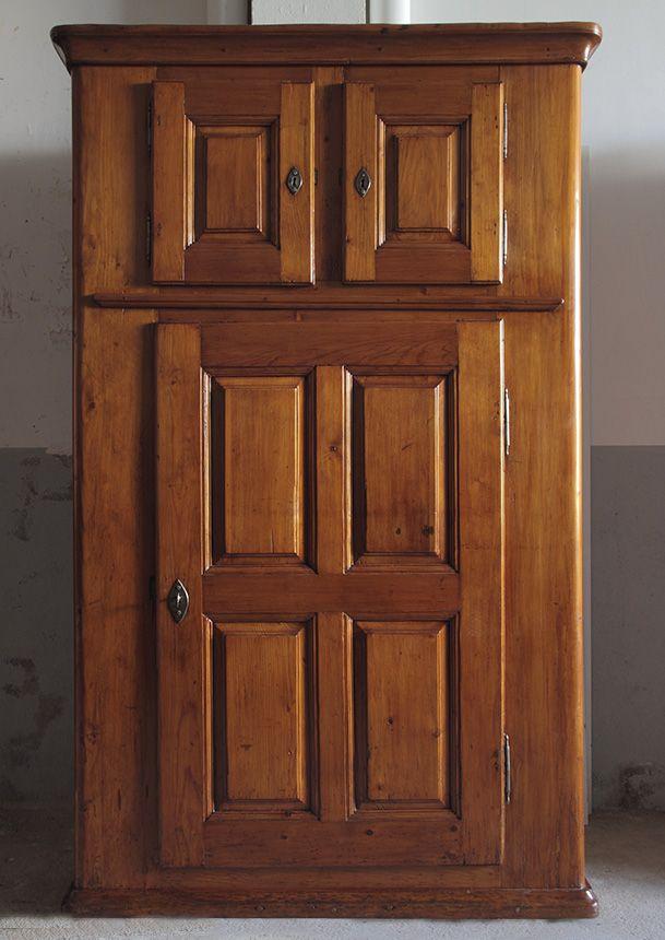 Armario suizo estilo rústico en madera de pino. Con dos puertas ...