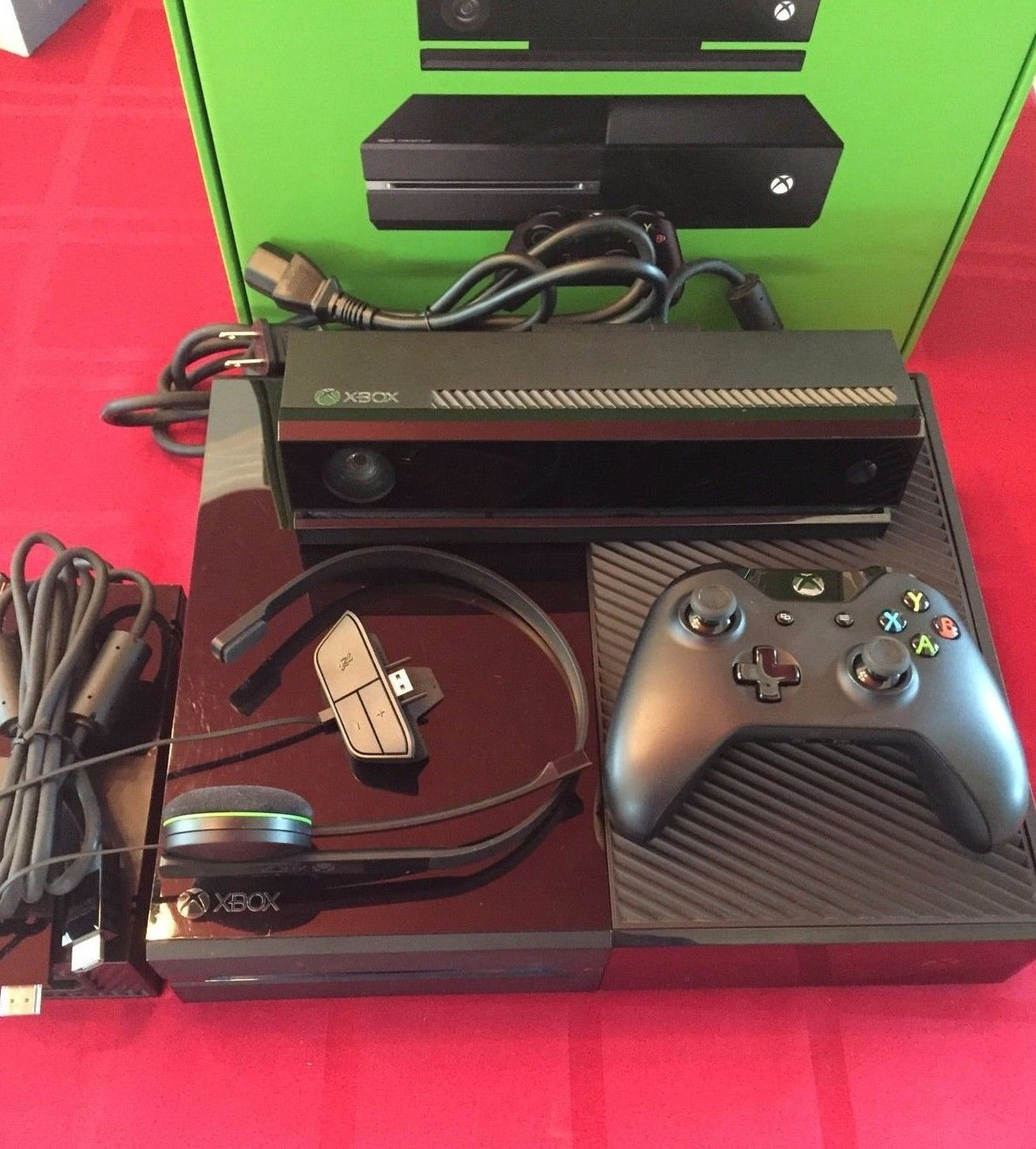 Microsoft XBOX ONE w/ Kinect - 500 GB - ADULE OWNED - MINT CONDITION - FREE SHIP https://t.co/e2qmGgPUjw https://t.co/h3FXKTVsv2