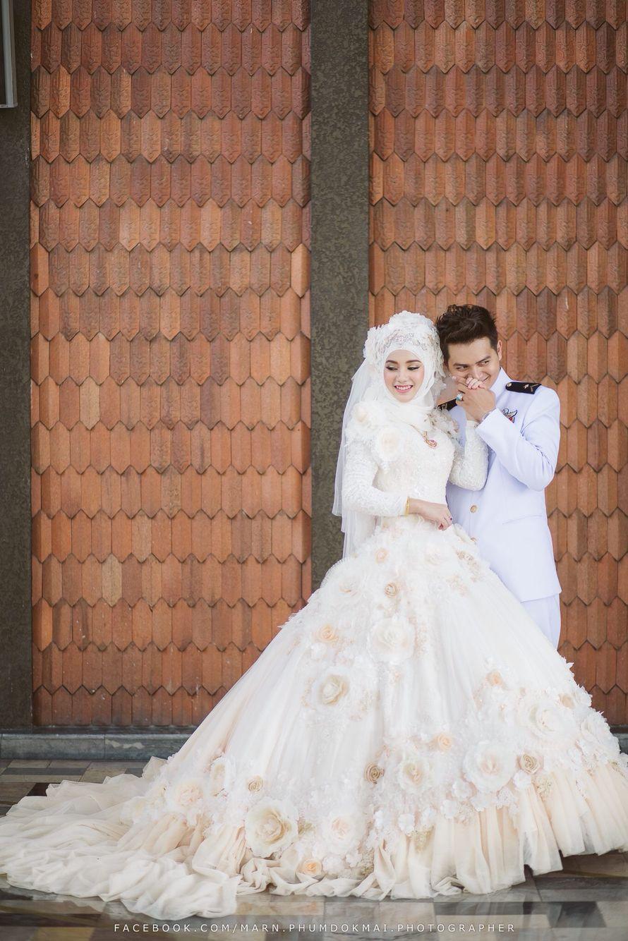 ab39f9465 Khamis Zain Thailand Muslim Wedding Gown, Wedding Gowns, Mein Land, Moslem,  Bridal