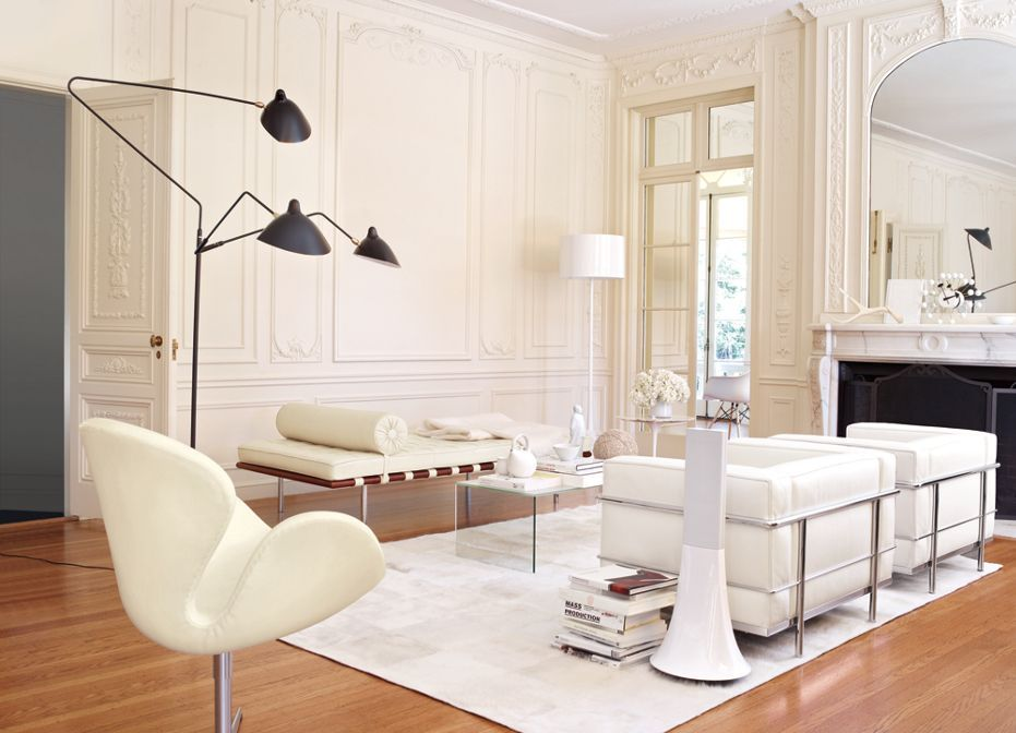 Barcelona couch! Modern furniture, classic space